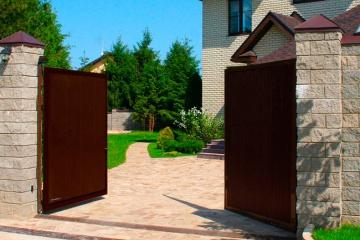 Автоматические уличные распашные ворота под ключ